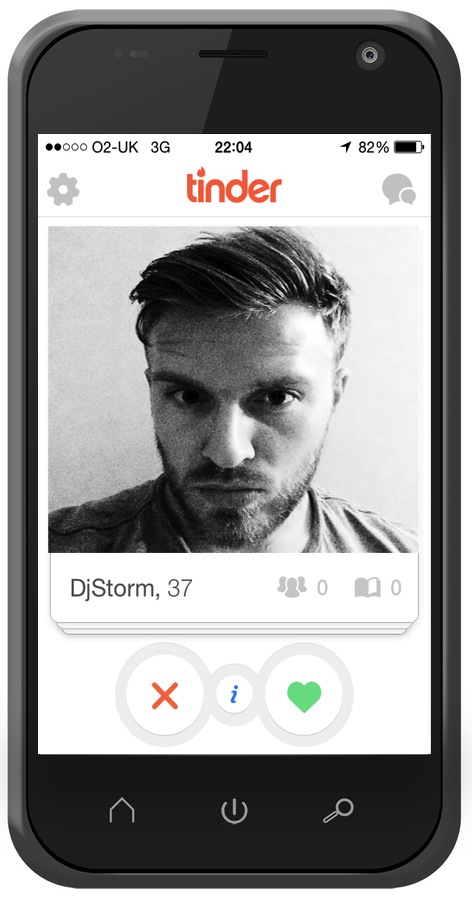Pout selfie on Tinder