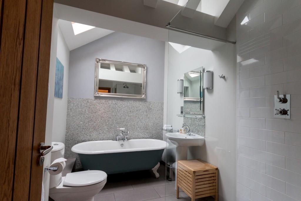 Bathroom Swallows Rest Brigstock